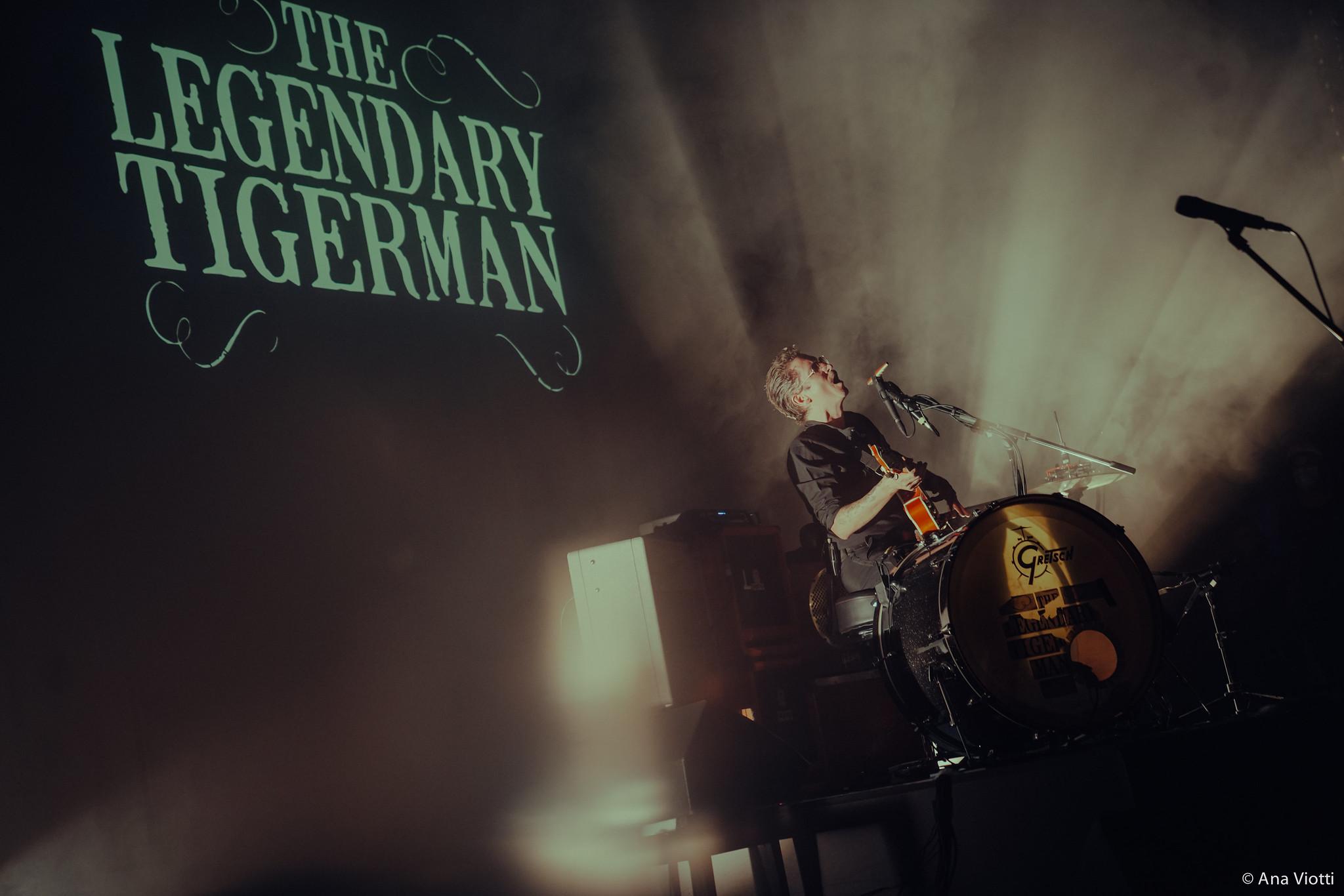 The Legendary Tigerman (one man band) com João Cabrita | Takeover #1 – Musicbox no São Luiz